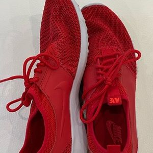 Red Size 7, Nike Running Shoes